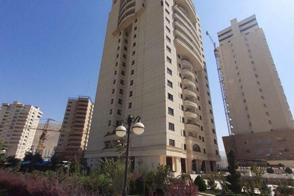 185 متر برج پاریز
